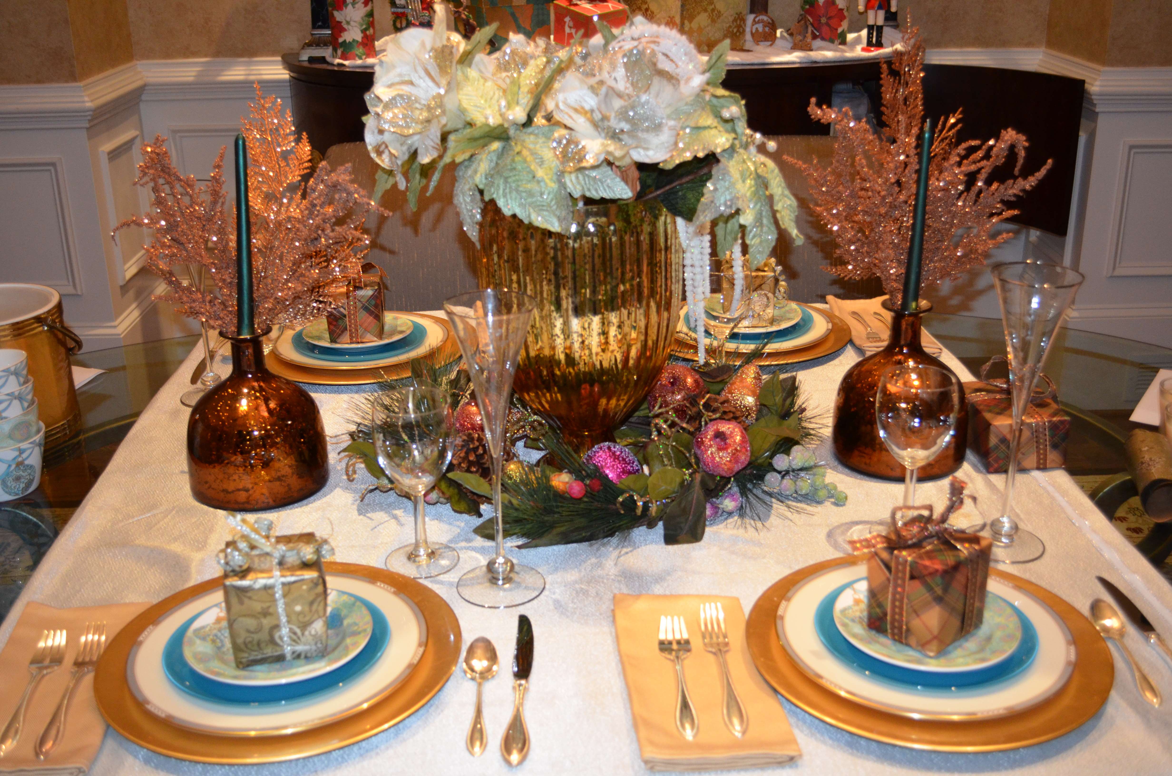 Designer Christmas Tablescapes Elegant Tablescapes For