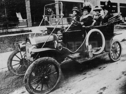 Madame CJ Walker in car ~1916