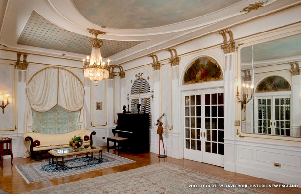 Music room Villa Lewaro