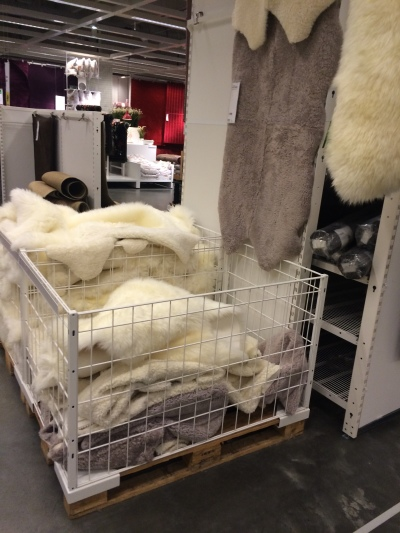 How to create a fabulous furry stool for Lambskin rug ikea