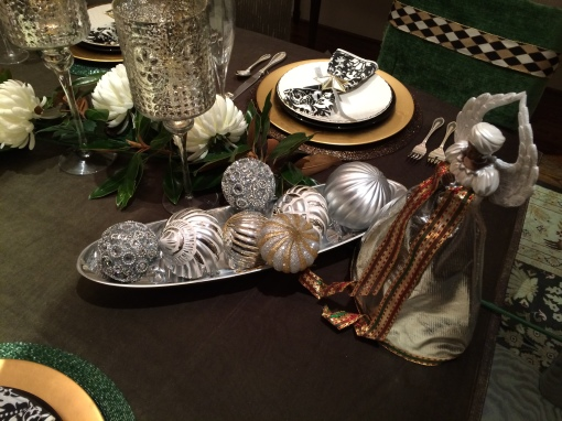 Add bling to your holiday table with ornaments