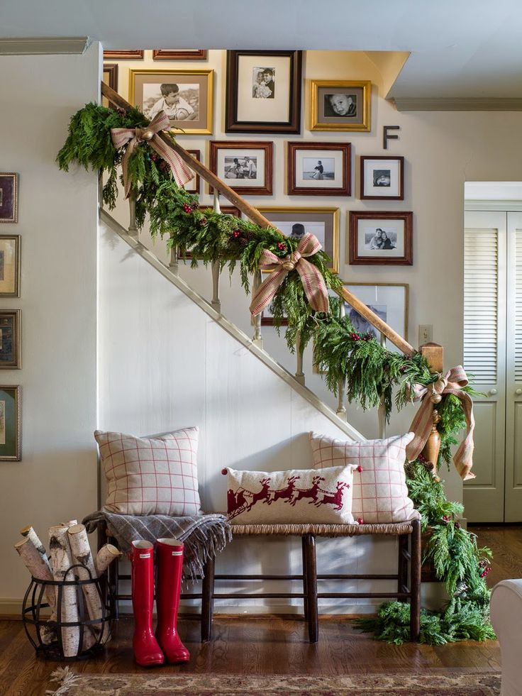 christmas decorations stairs & entry