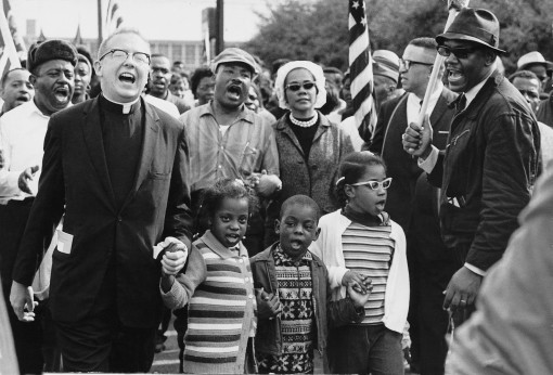 MLK with Abernathy children marching to Montgomery, AL 1963