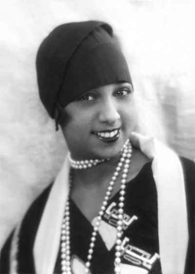 Baker-with-Pearls flapper style