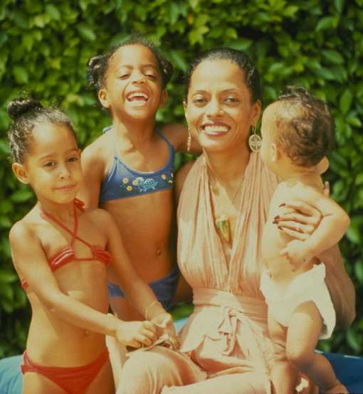 Diana Ross with her daughters