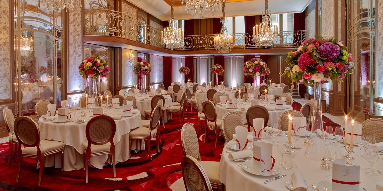 Paris luxury hotels for Salon de la couture