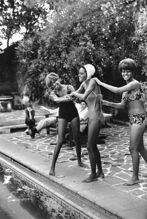 Supremes swimming 1960's