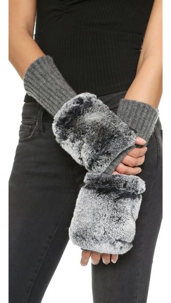 Carolina Amato Fingerless - warm & fuzzy