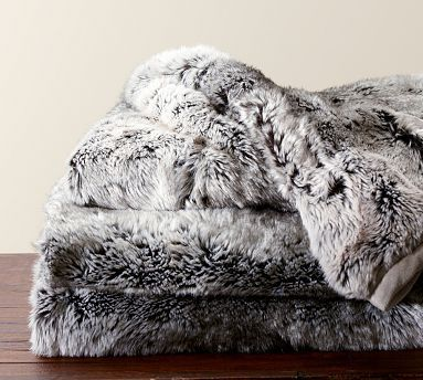 Faux fur blanket - warm & fuzzy