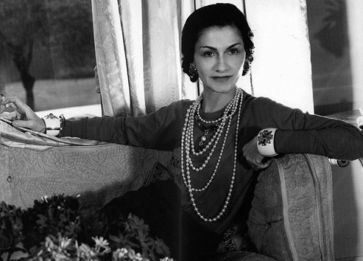 Coco Chanel costume pearls