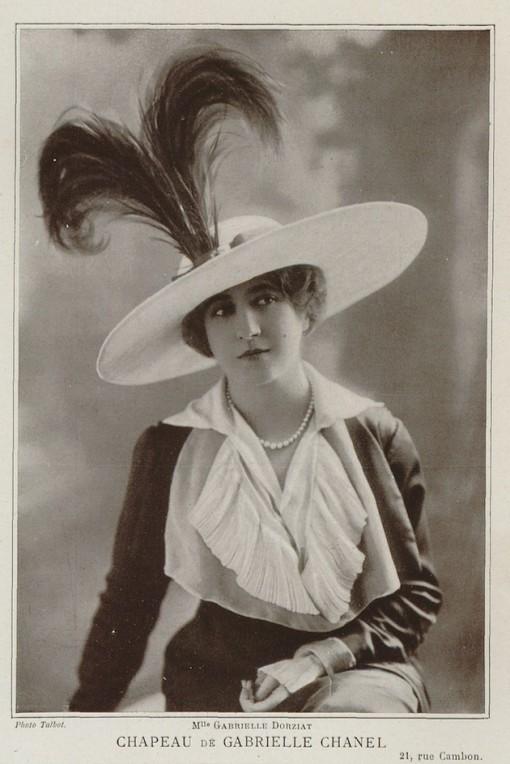Mlle-Gabrielle-Dorziat-wearing-one-of-Chanels-first-hats_©Talbot_1912_Erfgoedbibliotheek-Hendrik-Conscience-Antwerpen-catalogusnrB-38257-kopie
