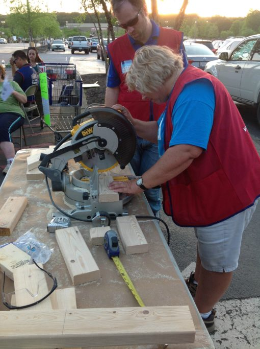 Women's Build HFH - Lowes Heroes